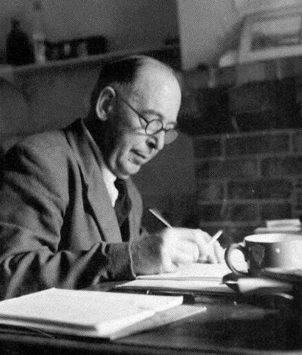 """Listen to C.S. Lewis Read Part of """"Mere Christianity"""" On BBCRadio"""